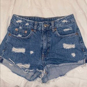 Denim shorts-mid to high rise